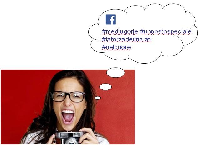 """Turista con una macchina fotografica e occhiali. La bolla di pensiero recita """"Facebook #Medjugorje #UnPostoSpeciale #LaForzaDeiMalati #NelCuore""""."""