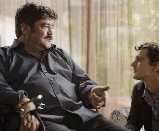 Workers pronti a tutto: Mario e Giacomo conversano uno accanto all'altro